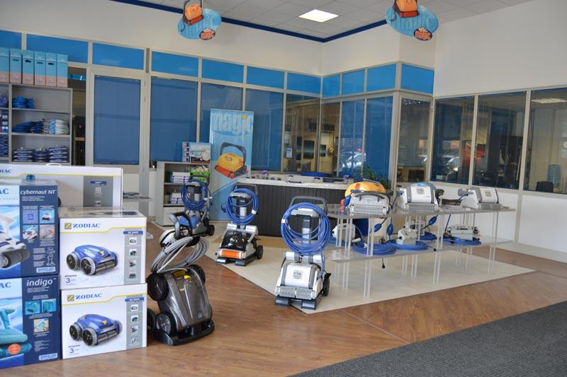 Interno showroom Zavatti Piscine vendita robot piscina