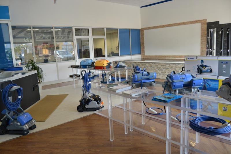 Robot piscina solo presso lo showroom Zavatti Piscine a Poggio Rusco Mantova