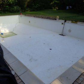 Trasformazione piscina a skimmer in piscina a sfioro