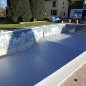 Telo pvc pendenza piscina