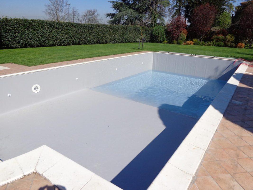 Sostituzione telo pvc e riparazione rivestimento piscina zavatti piscine a sfioro - Riparazione telo piscina ...
