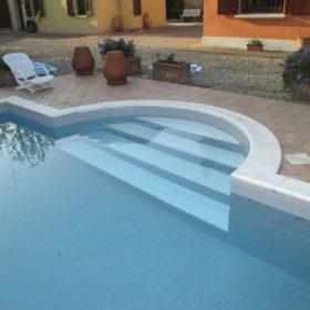 Scala romana piscina con nuovo telo