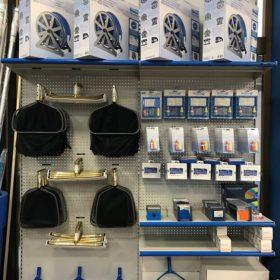 Showroom Zavatti Piscine a Sfioro - Accessori pulizia e manutenzione piscina