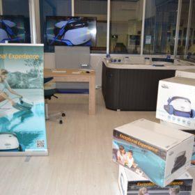 Showroom Zavatti Piscine a Sfioro - Robot piscina Dolphin Maytronics Serie S e Serie M