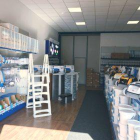 Showroom Zavatti Piscine a Sfioro - Panoramica prodotti showroom