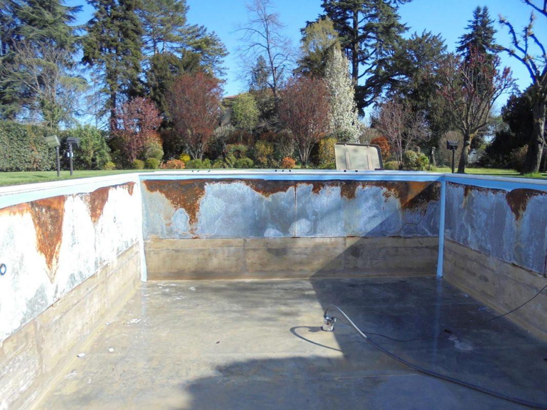 Sostituzione telo pvc e riparazione rivestimento zavatti piscine a sfioro - Riparazione telo piscina ...