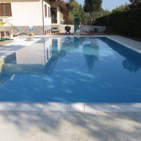 Ristrutturazione di una piscina a skimmer finita