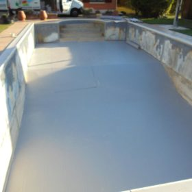 Sostituzione rivestimento pvc fondo piscina