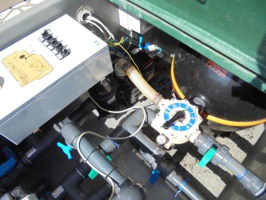 Impianto vecchio non ottimizzato con boccia filtro tradizionale