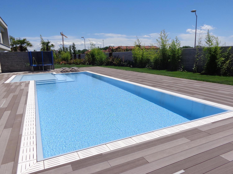 Piscina isotermica e antisismica realizzata in casseri eps for Pavimentazione della piscina