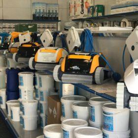 Showroom Zavatti Piscine a Sfioro - Robot piscina Dolphin in esclusiva per Zavatti