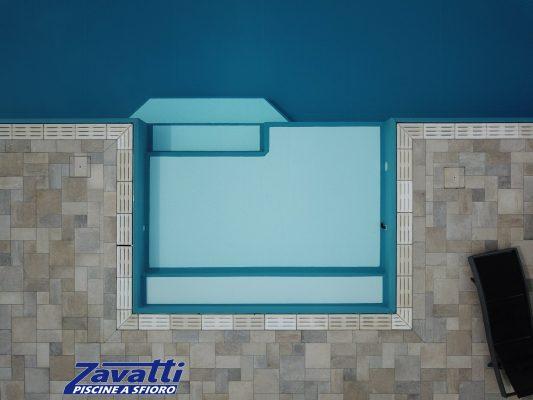 Vista dall'alto bagnasciuga bicolore. Realizzato con materassino di fondo per aumentarne il comfort e la sicurezza